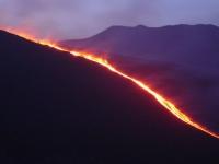 Etna: eruzione notturna